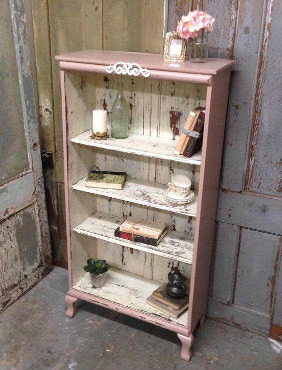 Forrás: https://www.etsy.com/de/listing/219450085/pink-shabby-chic-bookshelf-painted