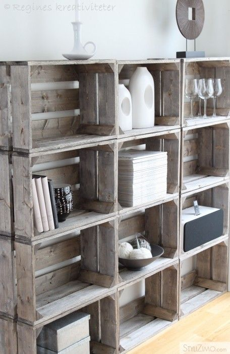 Forrás: https://cityclecticdesign.wordpress.com/2011/10/03/upcycle-box-crates-into-shelving-unit/